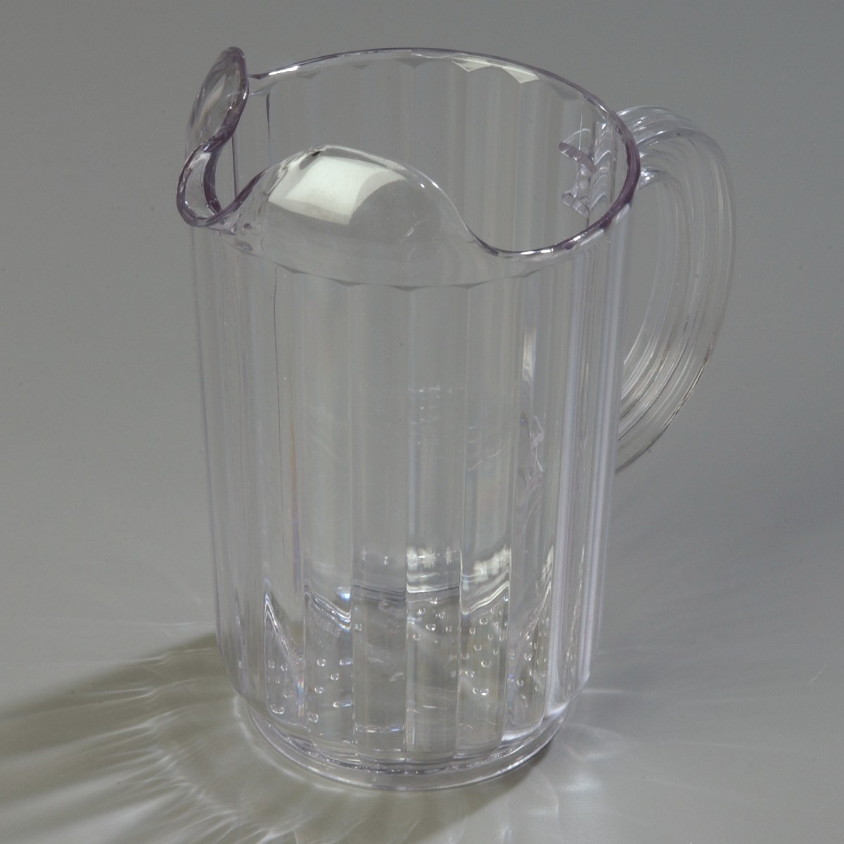 Carlisle 553607 Clear 32 Oz. Pitcher