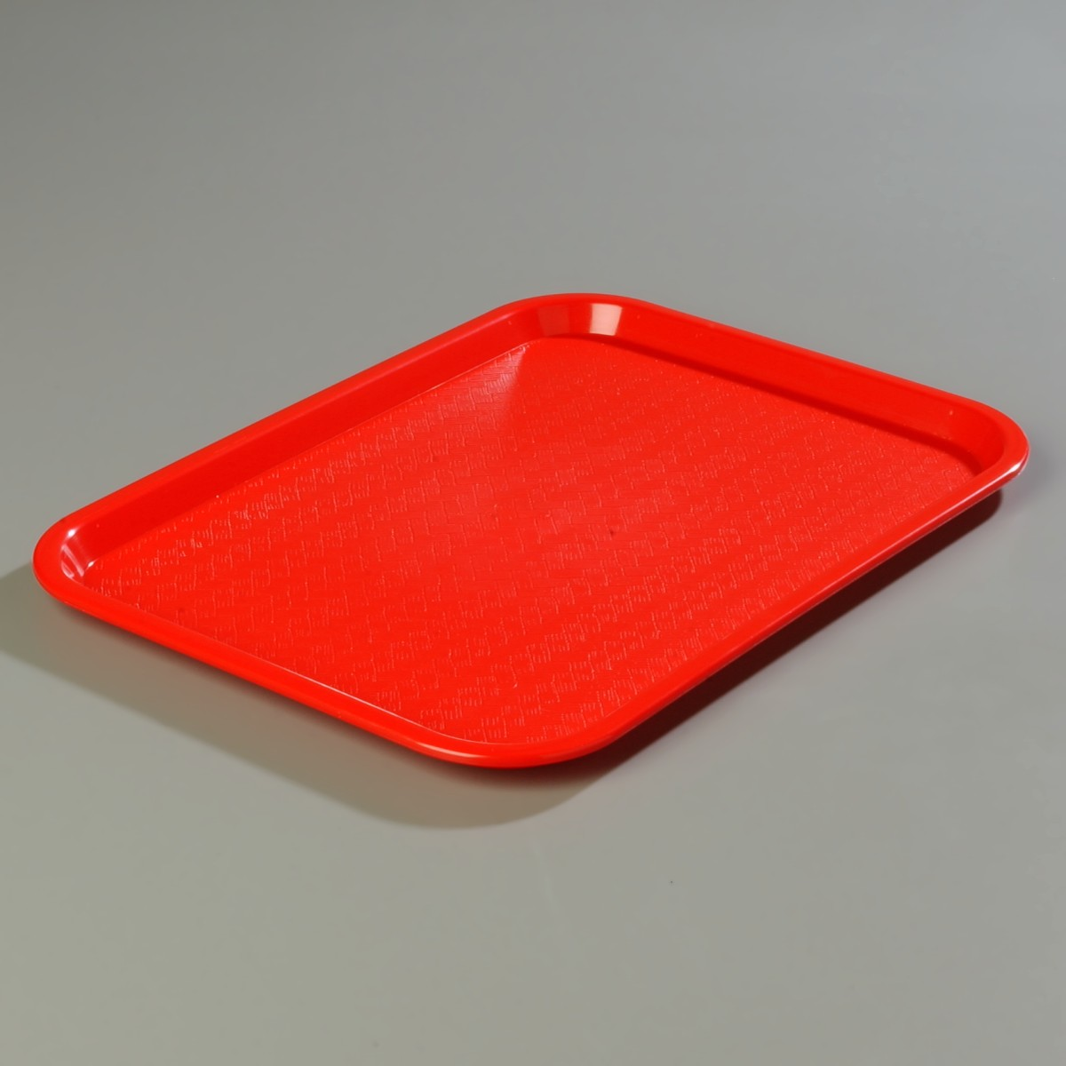 Carlisle CT141805 Tray in Red