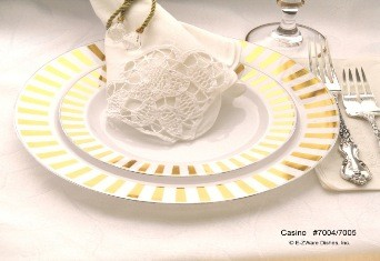 EZWare 6068 Casino Premium Plastic Dinner Plate with Gold Rim 10.5