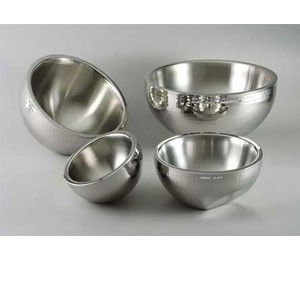 Eastern Tabletop 7210 Stainless Steel Hammered Dual Angle Insulated Bowl 115 oz.