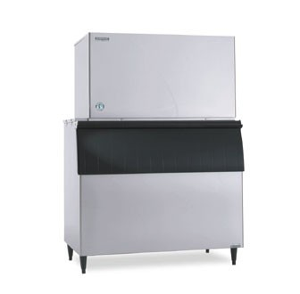 Hoshizaki KM-1601SWH3 1555 lb. Water-Cooled Cube-Style Ice Maker