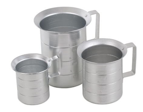 Royal ROY MEAS 2 Aluminum Liquid Measure 2 Qt.