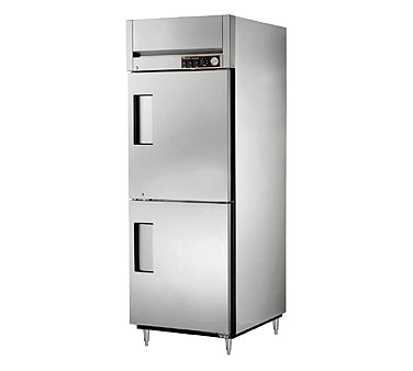 True STA1H-2HS 31 Cu Ft Reach In One-Section Solid Half Door Heated Cabinet