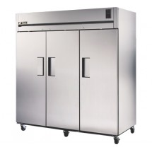 True STA3R-3S 85 Cu Ft Reach-In Three-Section Refrigerator