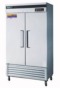 Turbo Air TSR-35SD Two-Section 35 Cu. Ft. Reach-In  Super Deluxe Refrigerator