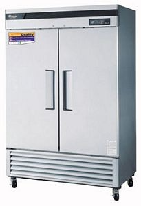 Turbo Air TSR-49SD Two-Section 49 Cu. Ft. Reach-In  Super Deluxe Refrigerator