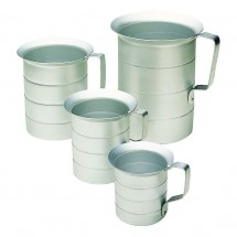 Update International AMEA-10 Aluminum Liquid Measuring Cup 1 Qt.