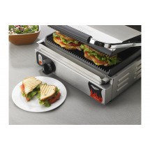 "Vollrath 40794 Grooved Top & Bottom Panini Sandwich Grill 13-1/2"" x 9-1/8"" Cooking Surface"
