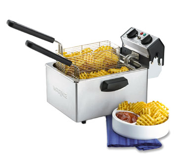 Waring WDF75RC 8 1/2 lb. Countertop Deep Fryer